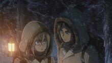 Historia et Ymir durant leur entraînement d'hiver