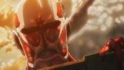Der kolossale Titan außerhalb von Shiganshina
