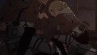 Annie zabiera sprzęt Marco