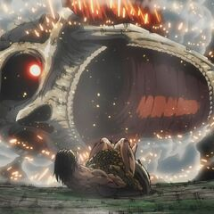 El Titán Colosal cae sobre Eren y Reiner.