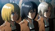 Rico, Armin et Mikasa au procès d'Eren