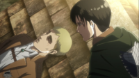 Levi beobachtet Erwin beim Sterben
