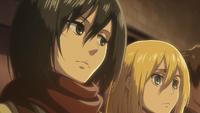 Mikasa sagt Historia, dass sie Levi schlagen soll