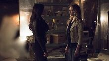 Nyssa & Laurel Look After You ( 3x21) (Arrow)