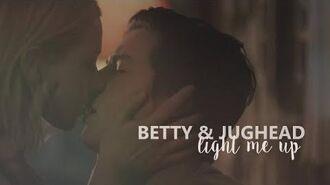 Betty + jughead light me up (2x12)