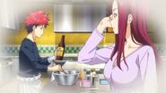 Ryoko sees Soma cooking