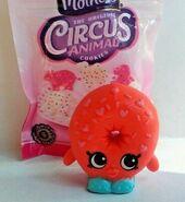 Shopkins-Oh-So-Real-Mini-Packs-Dlish-Donut