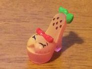 Stella citrus shoe toy