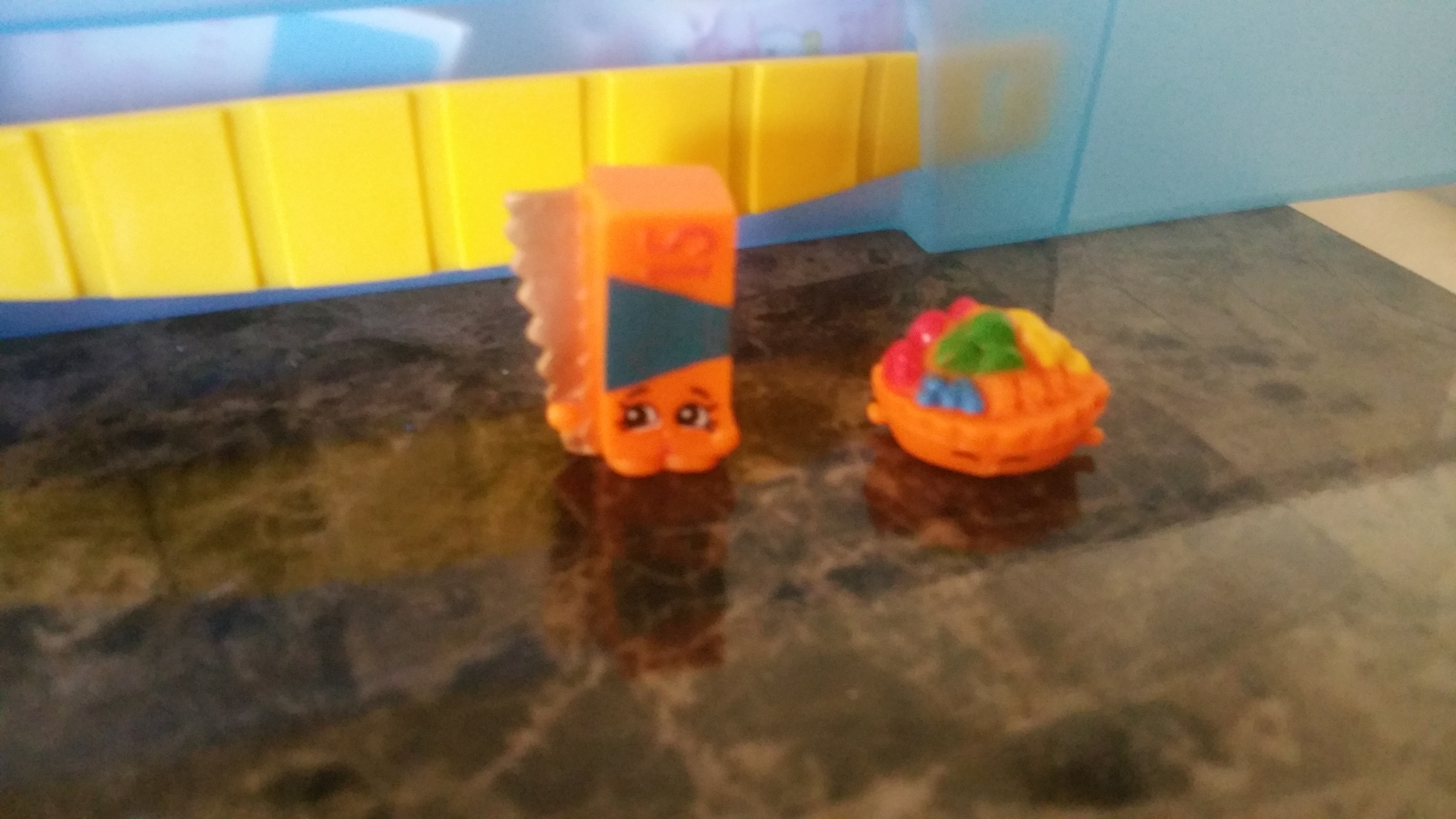 I Just Opened A Basket For Shopkins Season 2I Have 2 Pieces