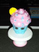 Creamy cookie cupcake (2)