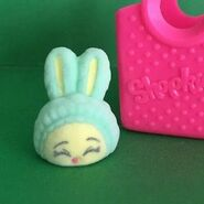 Shopkins-fuzzy-green-bun-bun-slipper-ultra-rare-fashion-spree-season-4-fs-055-816be8c7b3a32ca5d9b8f2b36a920fb9
