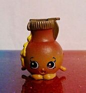 Shopkins-Chef-Club-Hot-Waffle-Collection-SADIE-SYRUP