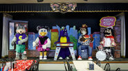 Chuck-e-cheese-removes-animatronic-band-8f4f5ed4