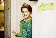 Hanna Beatt as Young Fiona