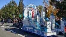 Parade121