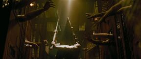 The Pyramid Head, saving Heather