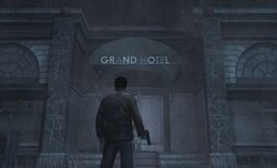 Grand Hotel Front