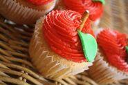 Apple Cupcake Tilt