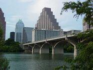 Family-vacations-bat-watching-congress-avenue-bridge