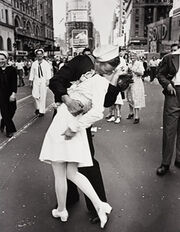 Kiss in Time Square