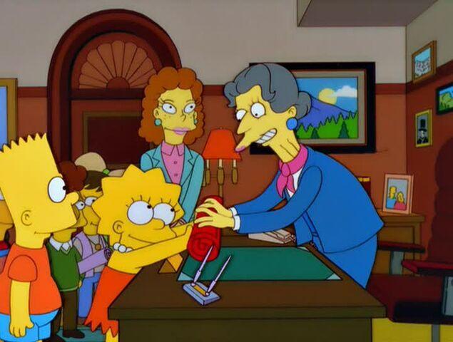 File:Bart vs. Lisa vs. the Third Grade 74B.JPG