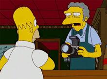 Moe entrega camera homer