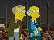 Smithers i Burns na stadionie