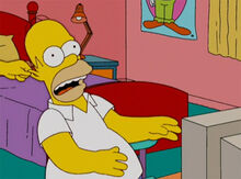 Marge puxa orelha homer