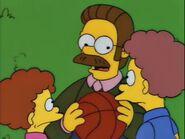 Homer Loves Flanders 74