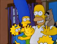 E-I-E-I-(AnnoyedGrunt) RaccoonBitesHomer'sEar