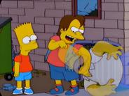 Nelson dando uma moca em homer