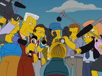 Ralph otoczony przez dziennikarzy