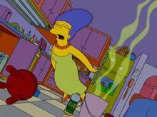 Marge desmaio cozinha faxina