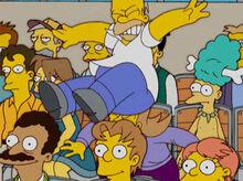 Homer cai em cima mulher estadio