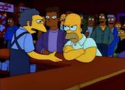 Homer i Moe w tłumie ludzi