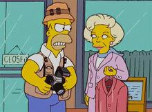 Homer e betty white 18x16