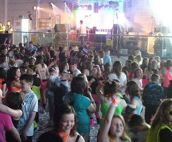 File:Foam party.jpg