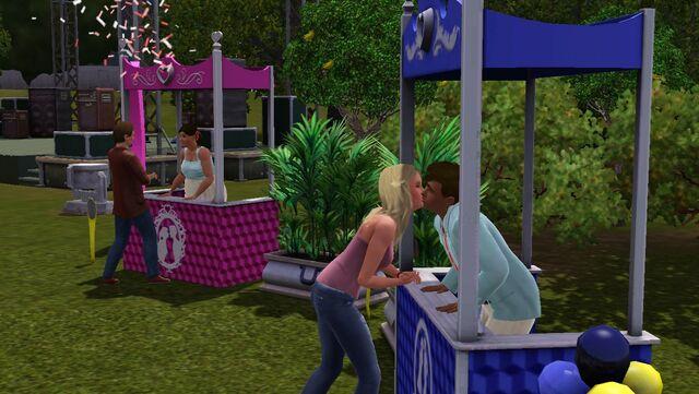 File:Festival spring - kissing booth.jpg