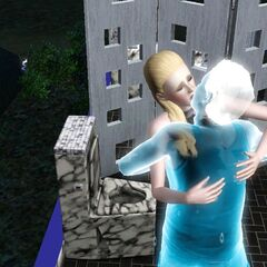 Un beso vampiro-fantasma.