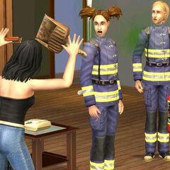 El peinado de la bombero no está en el juego.