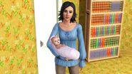 Джульетта с племянницей на руках