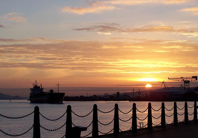 File:Sunrise-pol-g.jpg