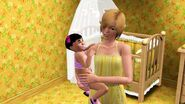 Анни-Фрид нянчится с малышом