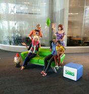 Estátuas Sims EA Lobby 4