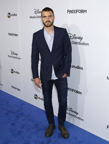 File:ABC International Upfronts LA 2017 Alex Roe (2).jpg