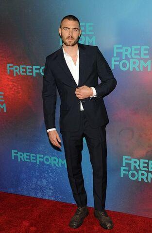 File:Freeform 2017 Upfronts NY Alex Roe.jpg