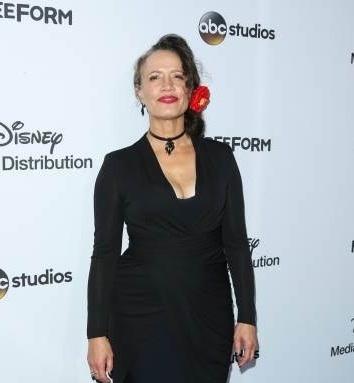 File:ABC International Upfronts LA 2017 Rena Owen.jpg