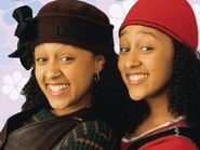 Tia-and-tamera-mowry-starred-in-the-series-sister-sister-which-was-about-twins-with-opposite-personalities