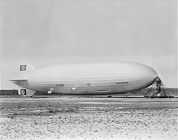 File:Hindenburg at lakehurst.jpg