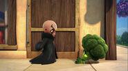 S2E5 Kaos Broccoli Guy